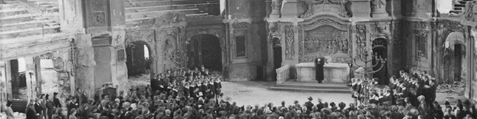 »Wie liegt die Stadt so wüst…« | Kreuzchor 1945. Untergang und Neuanfang
