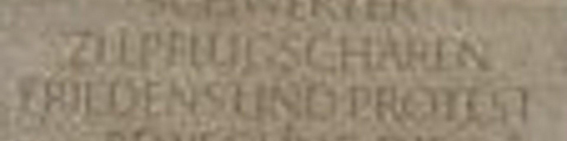 Präsentation der erweiterten Inschrift am Denkmal »Steine des Anstoßes«